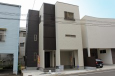 岩田町新築1
